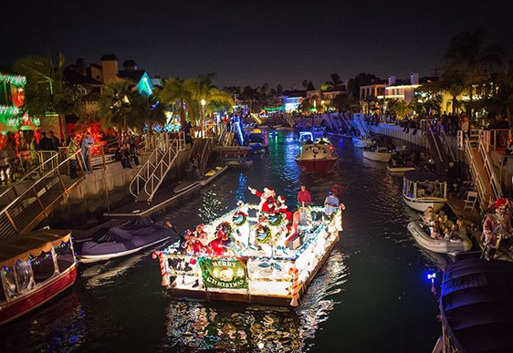 Naples Christmas Lights 2019 Naples Christmas Boat Parade: A Holiday Lights Extravaganza in